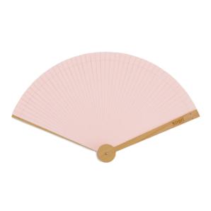 ADKグループと東京新聞が共同で、ユニバーサルデザインの扇子を開発
